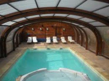 Un accès au spa   piscine